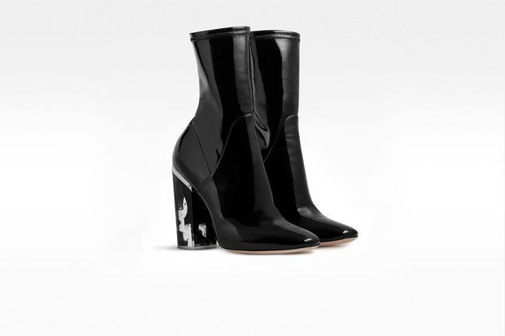 """Ботинки из лакированной кожи теленка черного цвета, прозрачный каблук с эффектом """"чернильное облако"""" - Dior"""