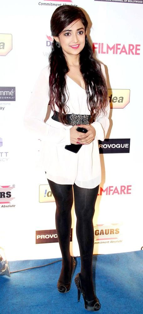 Monali Thakur at the Filmfare pre-awards party. #Style #Bollywood #Fashion #Beauty