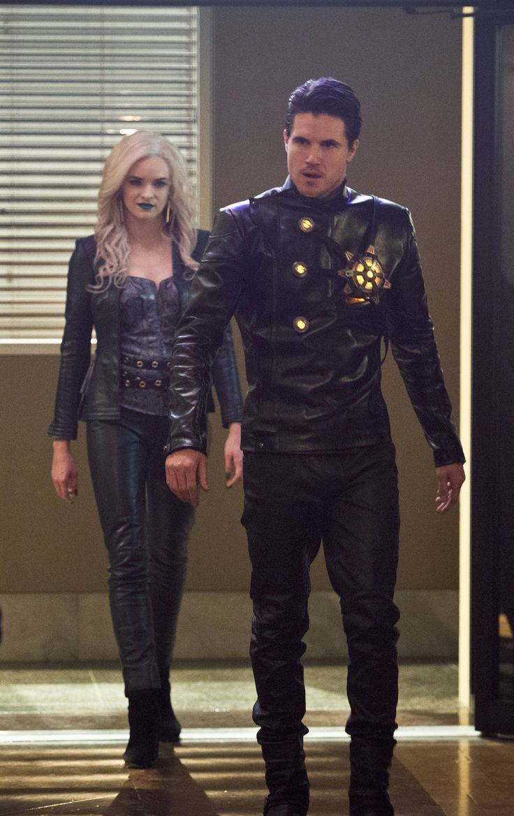 The Flash 2x13 - Killer Frost/Caitlin Snow & Ronnie Raymond/Firestorm - Earth 2 (HD)
