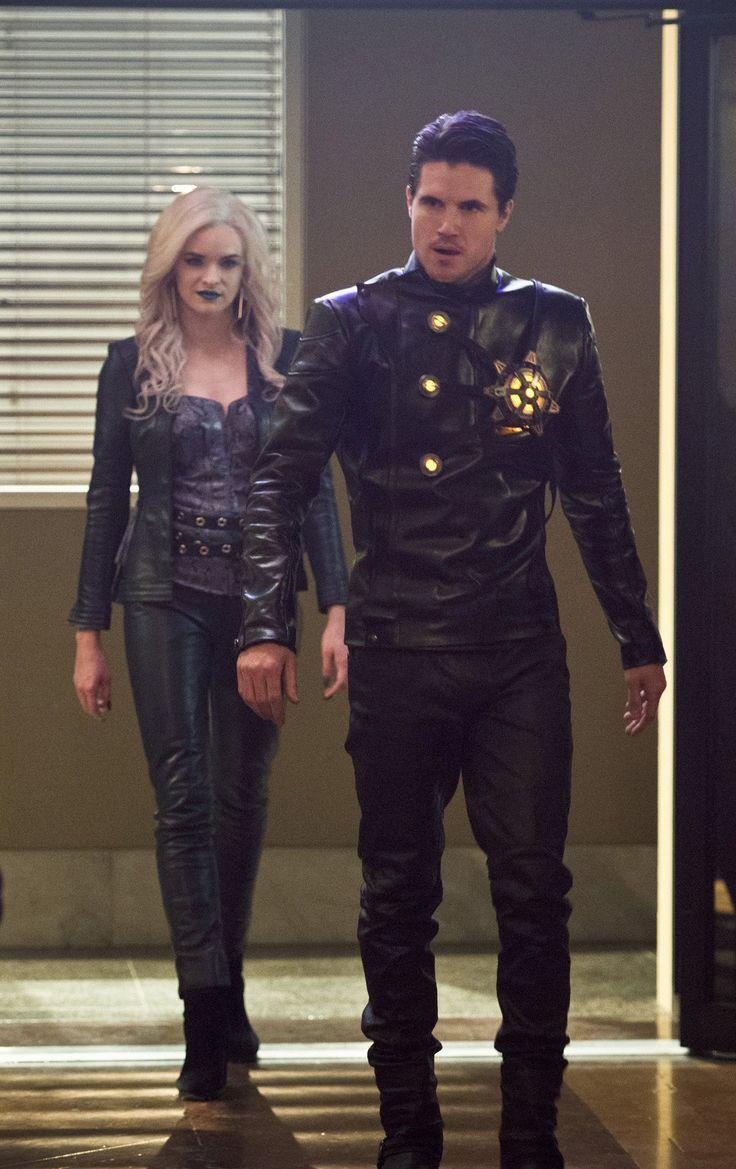 The Flash 2x13 - Killer Frost/Caitlin Snow & Ronnie Raymond/Firestorm - Earth 2 (HD)