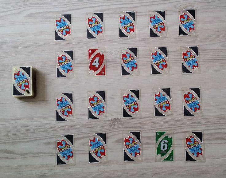 Die Uno-Karten (alle Zahlen von 1  bis 9) werden in 4 Reihen á 5 Karten ausgelegt. Jetzt werden von einem Spieler zwei Karten umgedreht. Wenn die Summe der beiden Karten 10 ergibt, werden die beiden Karten aus dem Spiel genommen und zwei neue aus dem Stapel nehmen die leeren Plätze ein. Es wird so lange gespielt, bis es keine weiteren Möglichkeiten gibt.