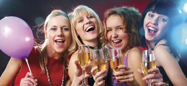 The Nearly Weds Quiz – a naughty hen night game!