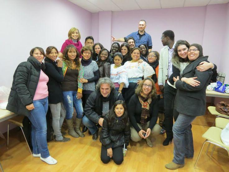 Clausura del Curso Introducción a la gestión de comunidades virtuales de Cepaim, en el centro Korays 2013. Un buen grupo