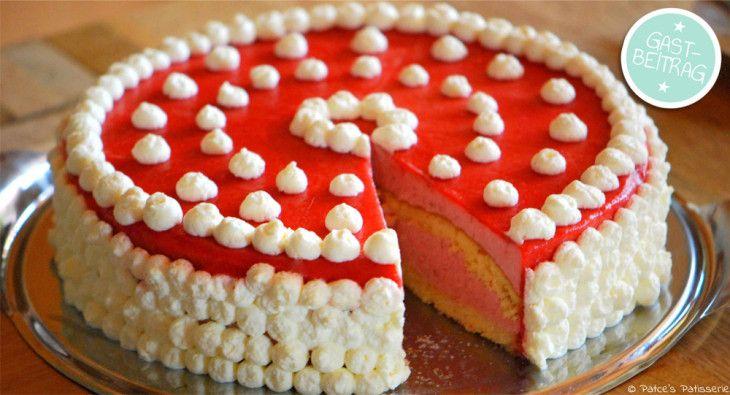 Erdbeer-Buttermilch-Torte mit Fruchtspiegel