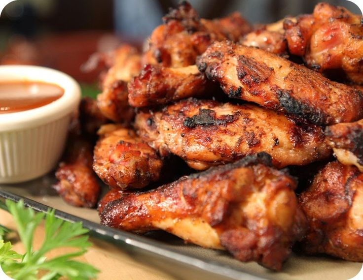 La recette:  Ingredients  6 a 8 ailes de poulet  2 gousses d'ail hachées finement  1 c. à soupe de coriandre en poudre  1 c. à café d...