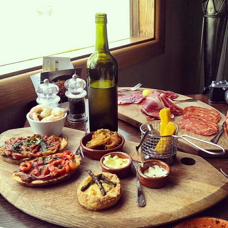 Lunch at Dal Zotto Winery. King Valley, Victoria.