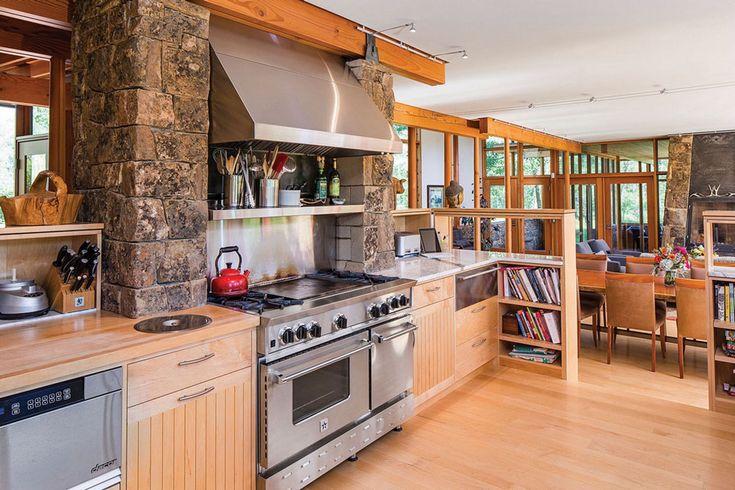Aménagement confortable et spacieux de la cuisine qui permet la préparation facile des repas