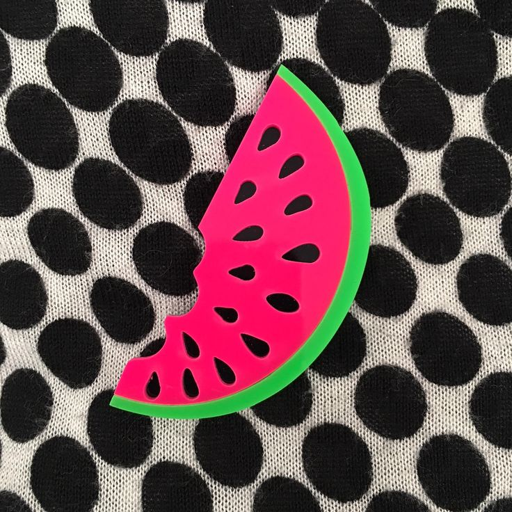 Perfect Birthday Party gift! #birthday #gift #Meloen Broche Retro roze acryl Fruit Brooch Plastic Tropical lasercut Pin