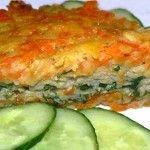 """Рыбная запеканка с овощами Для приготовления блюда Рыбная запеканка с овощами необходимы следующие ингредиенты: 600 гр филе рыбного, 2 чайной ложки приправы Магги """"Весенняя зелень"""", 300 гр белого хлеба без корок, один стакан молока, луковица, две моркови, 3 картошки, яйцо, растительное масло, соль на пробу."""