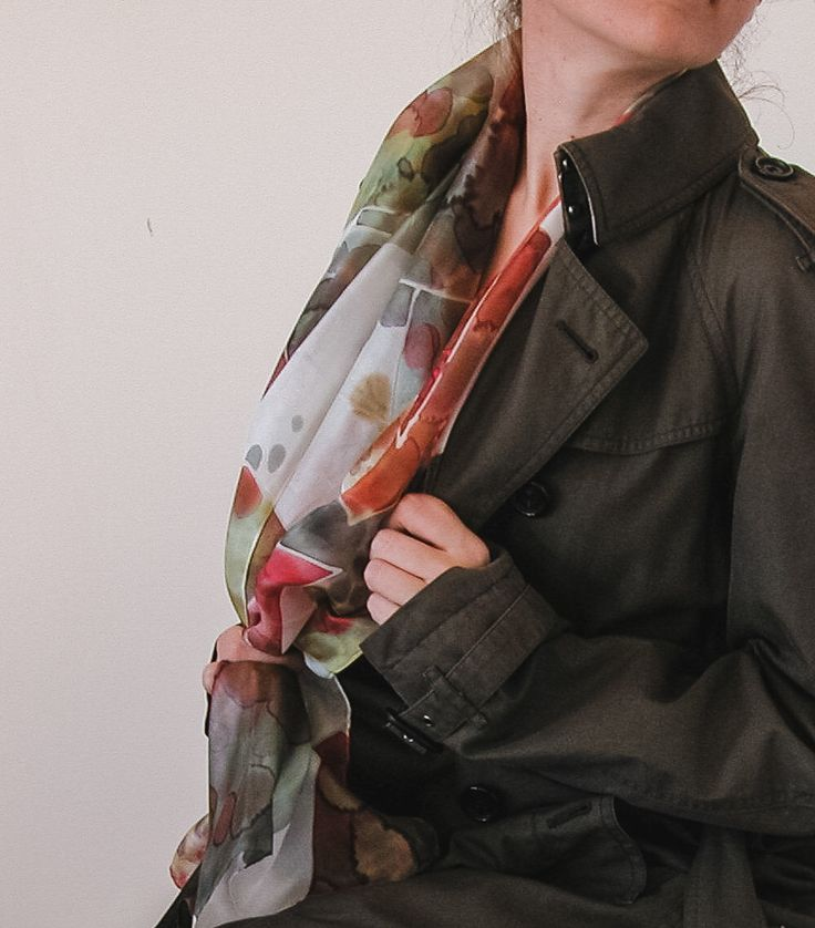 Hand painted silk scarf | silk shawl | fall 2016 | autumn color scarf | handpainted silk shawl | trench coat | fall fashion | brown and autumn colors
