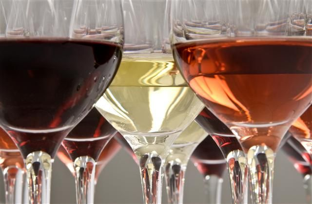 Contact Wineshare to book your event in Dallas, Houston, Austin, San Antonio, Royse City, Heath, Wylie, California... And anywhere else in the US!!! We do all of the Marketing for your events and everyone brings their own Wine and Wine Glass! Booking for 2014 in Rockwall!!!