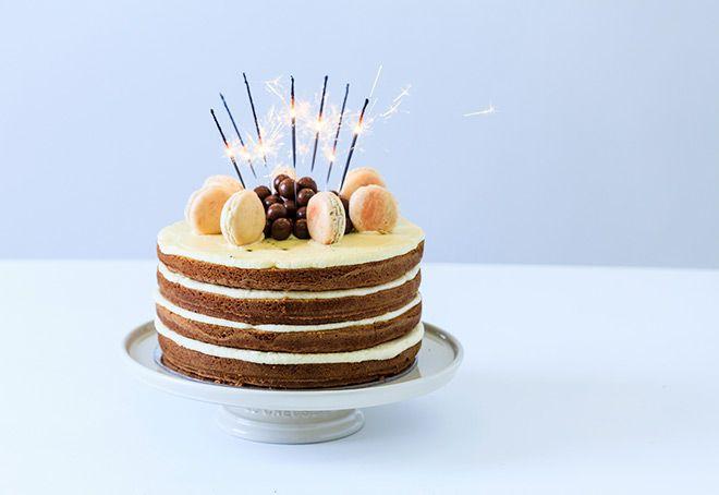 naked-cake-macaron