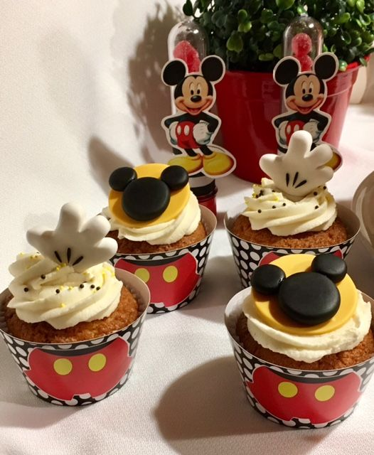 Mickey Mouse Cupcakes  Violeta Glace