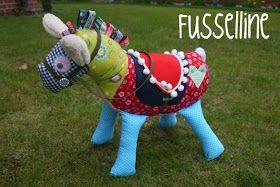 Fussellines Blog: Satteldecken-Freebie für das Knuffelpferd von Farbenmix