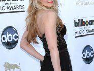 Дженнифер Моррисон в откровенном платье на Billboard Music Awards 2013