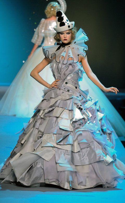 Desfile de Christian Dior. París. Fotos, crónicas, diseñadores y modelos de todos los desfiles de la pasarela de Alta Costura Otoño-Invierno 2011-2012. Alta Costura - Otoño-Invierno.