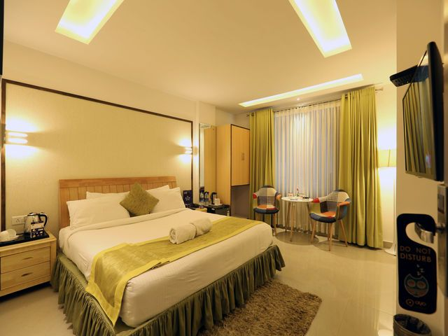 As Shimla is a top tourist destination, thousands of tourists are witnessed every year. And so, there are different kinds of hotels that one can find here. From simple dormitories to economy hotels, from luxury hotels to top class resorts, one can pick any based on the requirements as well as the budget. It is always a best decision to choose Shimla hotels near mall road so that one can shop around in the evenings, take stroll and chat with the locals, and enjoy the local delicacies.