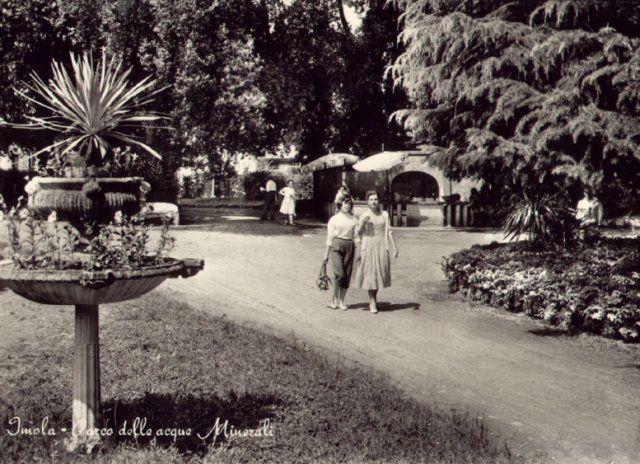 Fontana sulfurea Parco Acque Minerali anni 60