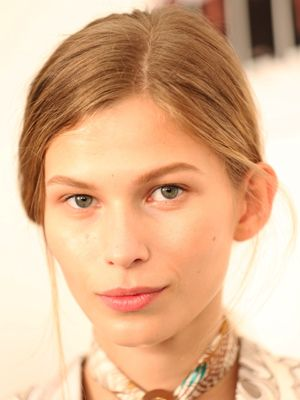 Salicylic Acid vs. Benzoyl Peroxide: How To Decide Which Acne Fighter Is Right For You