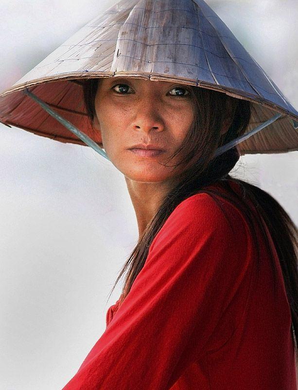 Vietnamese woman by Jurgen Treue