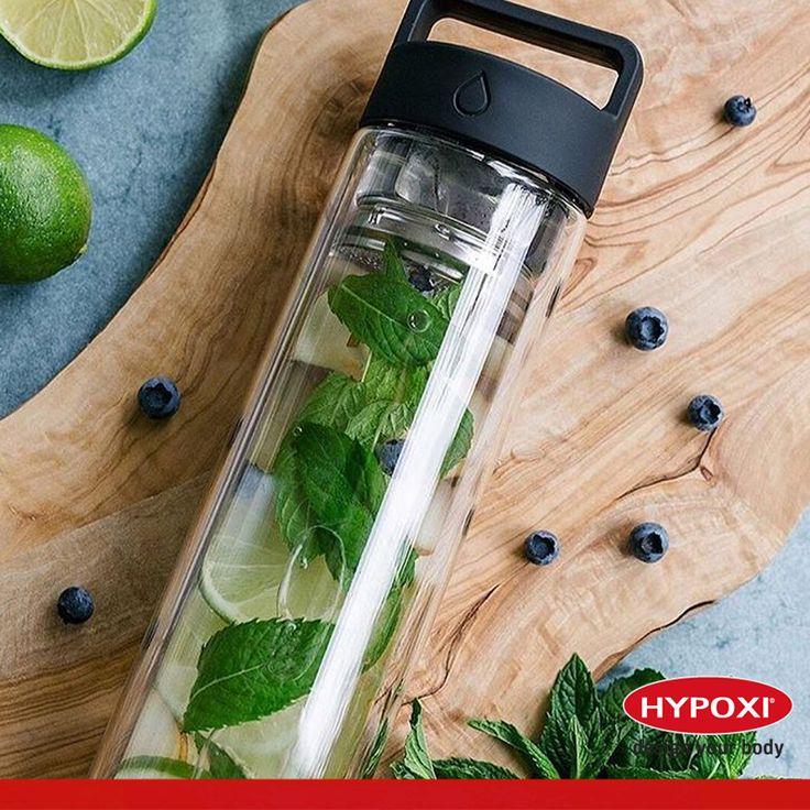 Hypoxi'den sonra kilo kaybı sonuçlarınızı en yükseğe çıkarmak için çok fazla su için. Su içmek ayrıca metabolizmayı çalıştırmanın yanında, midede hacim oluşturarak tokluk hissi vermede işe yarar. Hücrelere oksijen ve besin öğelerinin taşınmasını, ayrıca atık ürünlerin taşınarak böbreklerden atılmasını sağlar. Şimdi bol bol su içme zamanı.