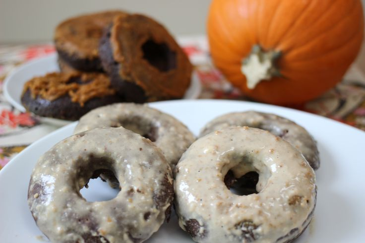DONUTS!high in protein & fiber, low carb. no sugar, all natural! for breakfast, an on-the-go snack, or as a low-cal dessert #glutenfree #vegetarian #paleo
