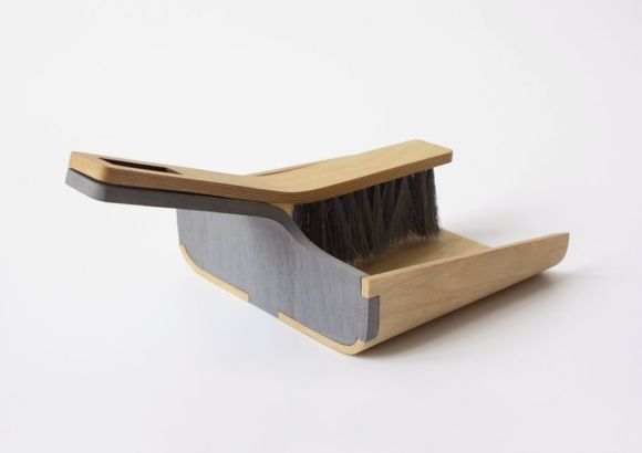 ALFRED DUSTPAN AND BRUSH BY TOM CHLUDIL