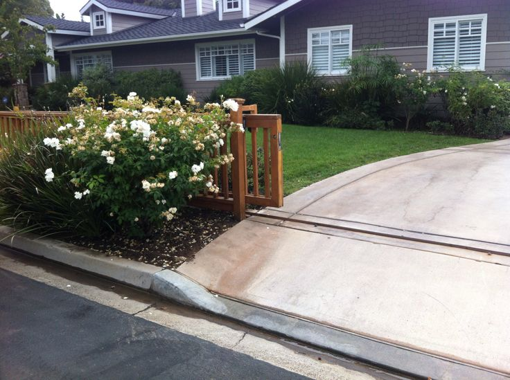 25 Best Ideas About Electric Driveway Gates On Pinterest Wooden Driveway Gates Gates For