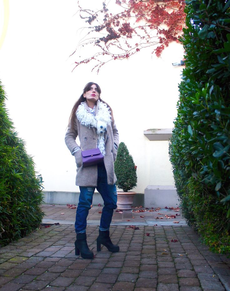 #coat #minibag #ankleboots #fashion #winter #streetstyle #sorel  #outfit