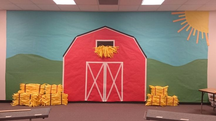 Kindergarten school play barn backdrop *stage    simple and easy idea hope you enjoy. I had a grate time putting it together with a friend  Red hen