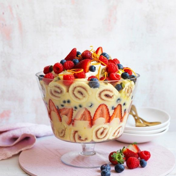 Easy Custard Berry Trifle Recipe In 2020