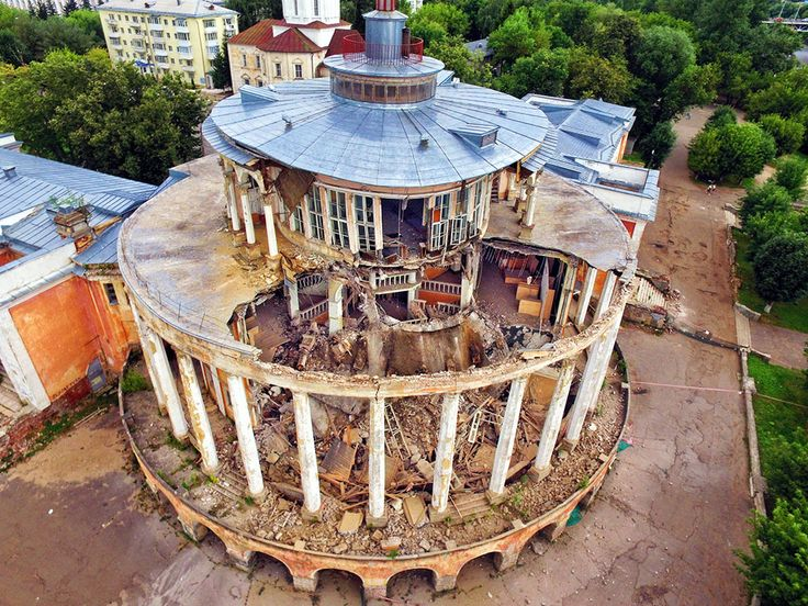 Sad news, a sad realization, and an important lesson. Unfortunately, as you can see from the picture above (picture from Russian Wikipedia, slightly edited), late on Monday, August 7, 2017, the building collapsed. After the first signs of the beginning of the collapse, the local police fenced the perimeter and therefore there has been no injury as a result of the collapse. At 23:45 the roof of the lower section and...-> FOLLOW THE LINK TO CONTINUE READING THE ARTICLE