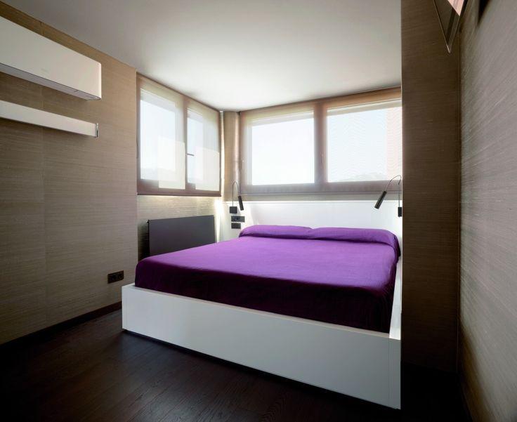 Un ático de diseño actual en la ciudad - Decorabien.com #dormitorio #habitación #lila #piso #moderno #casa #pequeñas