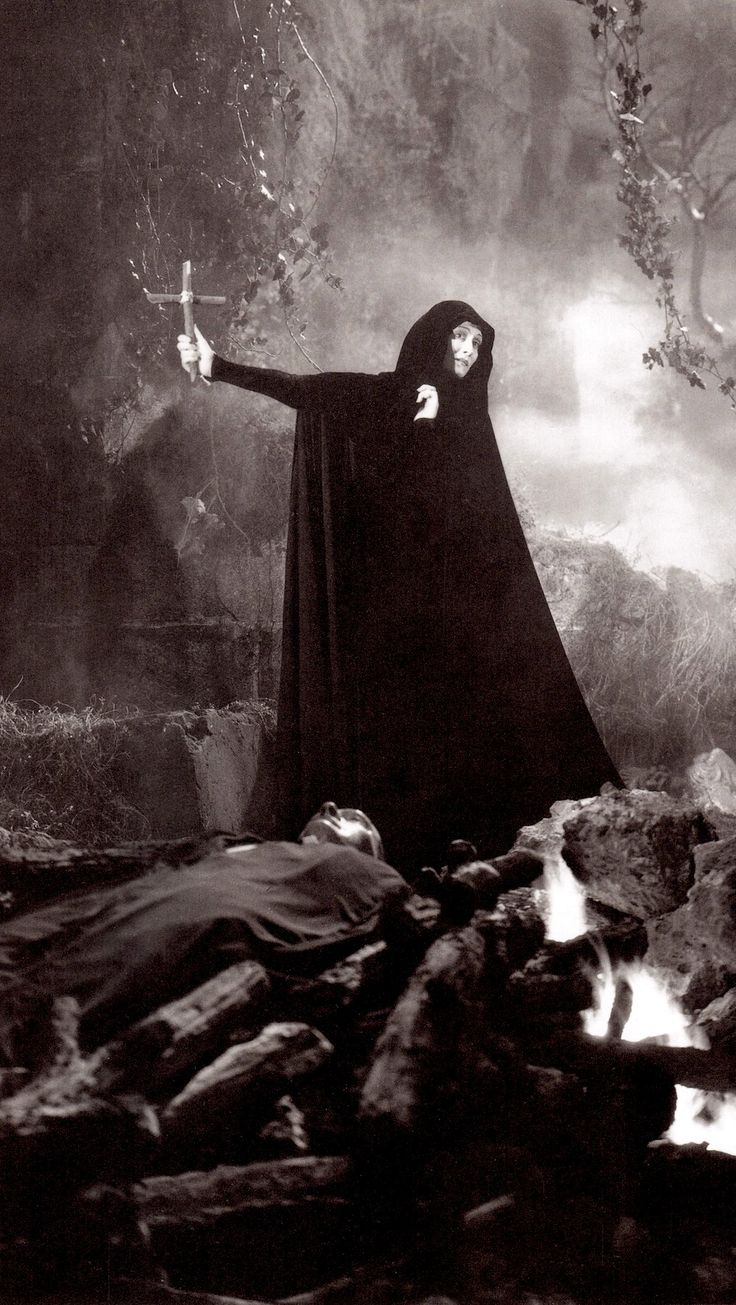 dracula female sexuality essay About female sexuality have often been related to psychological symptoms  dracula, define a stereotypical image of madness which still endures today.