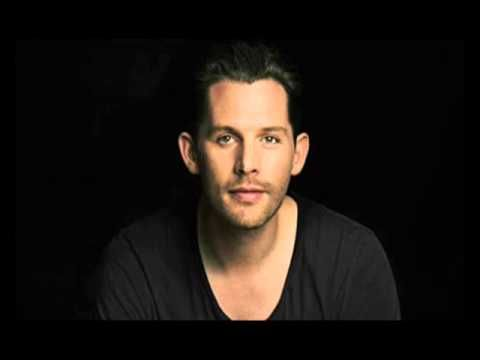 Rasmus Seebach Flyv Fugl (Lyrics) - YouTube