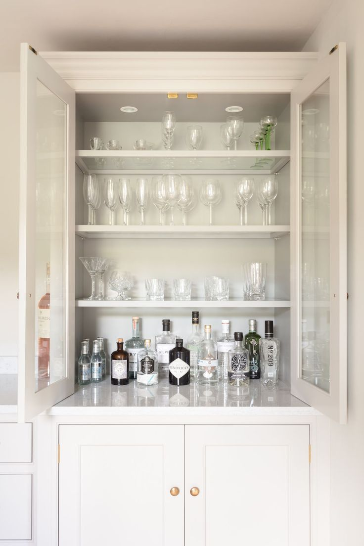 The 25 best ideas about drinks cabinet on pinterest for Built in drinks cabinet