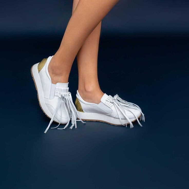 Pantofii de dama Mineli Lauren sunt realizați din piele naturală și completează ținutele casual de…