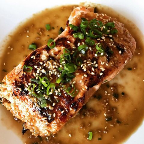 This flavor-packed sous vide salmon recipe is your next go-to dish. Wildly simple and totally delicious, it's sure to be a hit with anyone lucky enough to sit at your table. With Anova, you'll never overcook salmon again, and you can make sure it comes out exactly how you like it, every time. Food nerd @beat_riceee is back to share her delicious creation. Check out the full recipe in the bio!