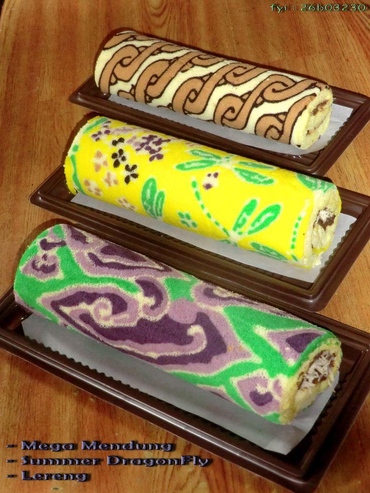 batik roll cake