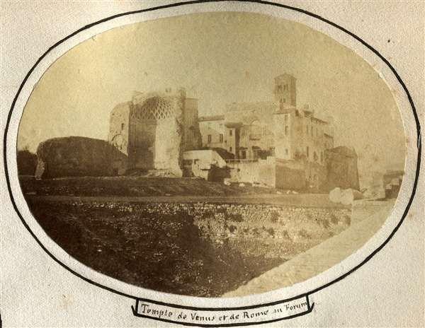 1858 circa autore non identificato . Tempio di Venere e Roma.