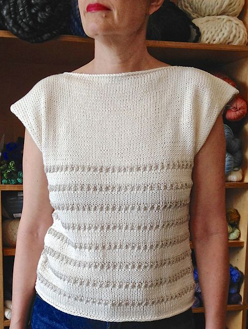Summertime Tee pattern by Edna Hart Knits, designed in Berroco Modern Cotton © edna hart knits