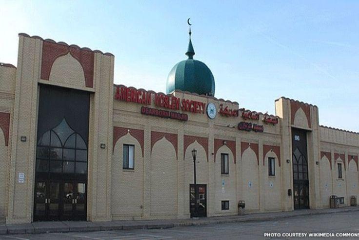 Perbandingan jumlah masjid di negara negara kafir dengan negara Syiah Iran agar engkau tahu rusaknya agama Syiah  The Dearborn Mosque in Dearborn Michigan  Berkata Syaikh Muhammad bin Umar Bazmul Dikirimkan kepada saya lewat WA (semoga Alloh membalas pengirimnya dengan kebaikan) Di mana didapati negara yahudi yang hakiki (yakni negara Israel besar) Perhatikan dengan baik 68 masjid milik kaum muslimin ada di Bakin 2016 masjid di seluruh amerika 257 di antaranya ada di newyork saja. 2260…