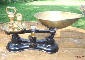 Vintage Black Salter No 56 Kitchen Weighing Scales Inluding Original Brass Weights