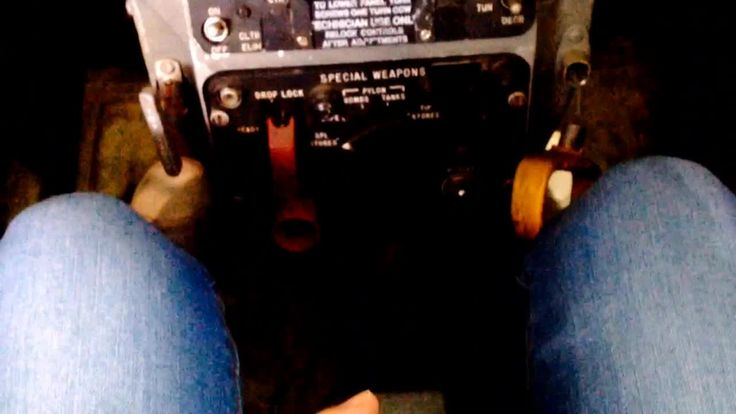 Fyuse - Sitting in a #cockpit of an #airforce #plane