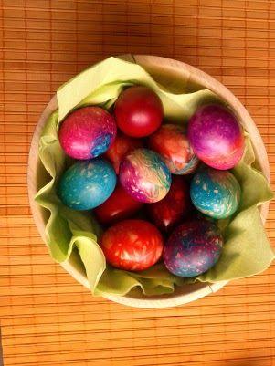 Βάψτε τα τα πασχαλινά αυγά με κλωστές φλος | Φτιάξτο μόνος σου - Κατασκευές DIY - Do it yourself