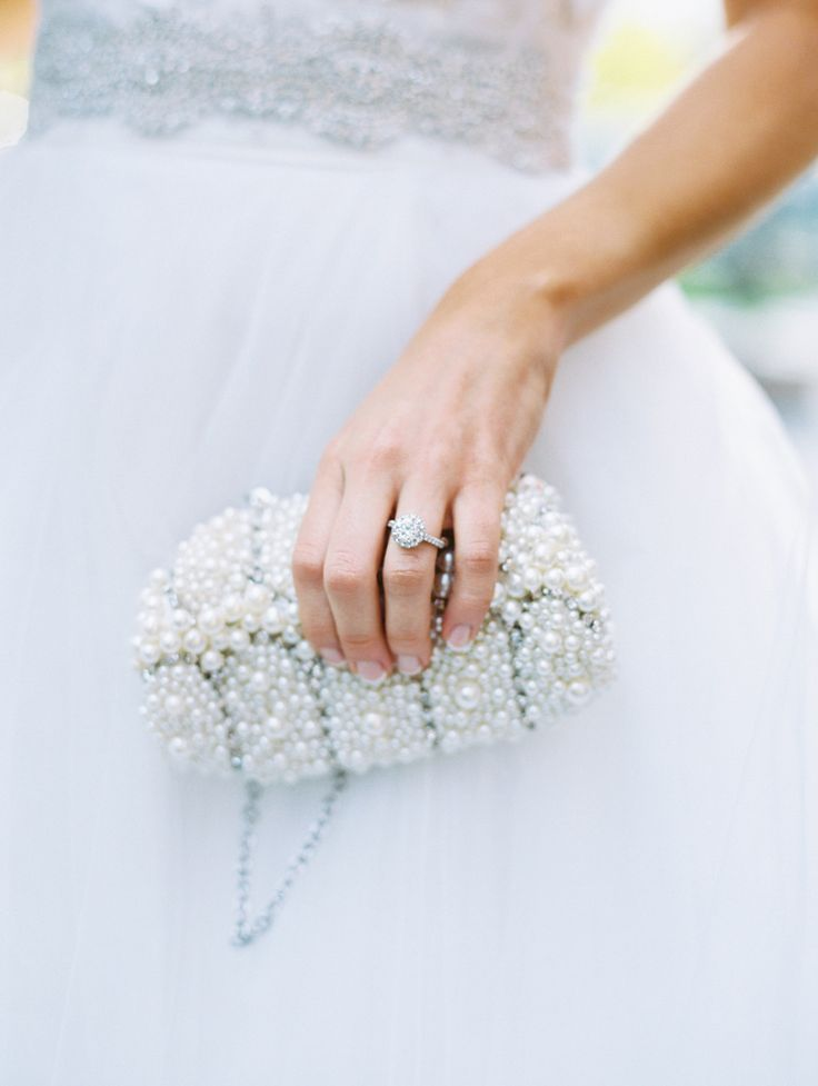 bridal clutch bag | blue sky wedding palette | fabmood.com | Photography: abbyjiu.com