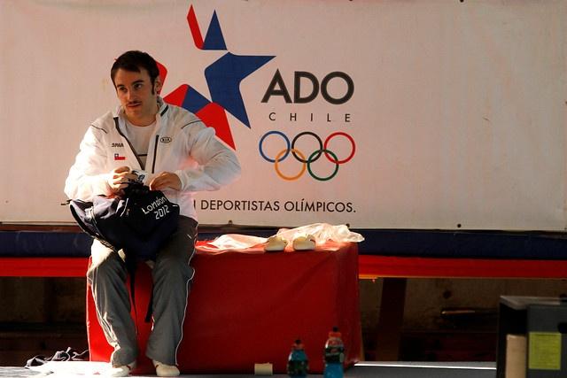 TOMÁS GONZALEZ - GIMNASTA. A sus 27 años de edad cumplió el sueño de llegar a los Juegos Olímpicos, que lo movió desde pequeño a luchar por superarse día a día en los aparatos que lo han visto crecer y convertirse en el gimnasta de excelencia que es hoy.