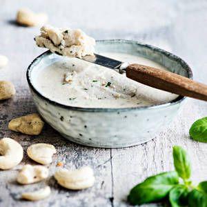 Vegaaninen cashewtuorejuusto | K-Ruoka #tuorejuusto #vegaaninen #tuorejuusto #levite