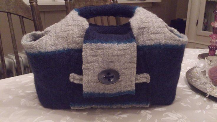Tovet veske fra genser