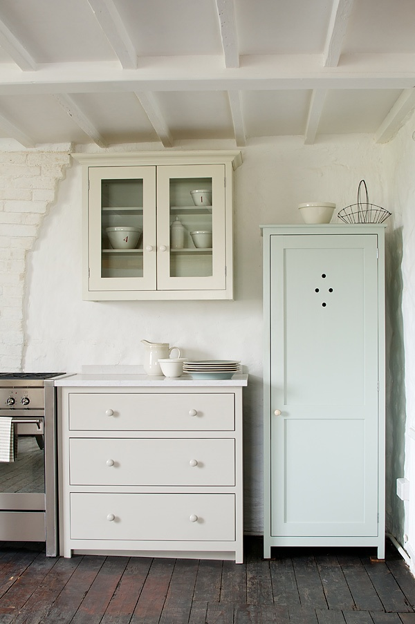 The Real Shaker Kitchen painted in our shaker paint colours 'Mushroom' 'Putty' and 'Verbena' - deVOL Kitchens